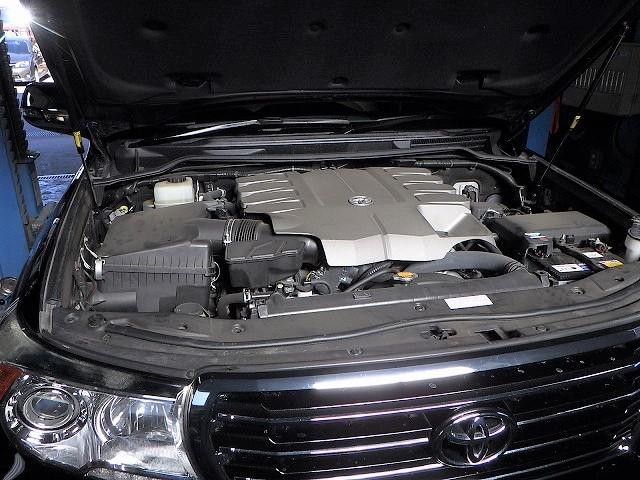 ランクル200_1URエンジン